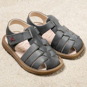 pololo-mini-sandale-fiesta-grau-frontal-1200