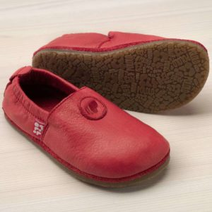 pololo-nos-barfuss-strassenschuh-uni-tpr-sohle-rot-seitlich